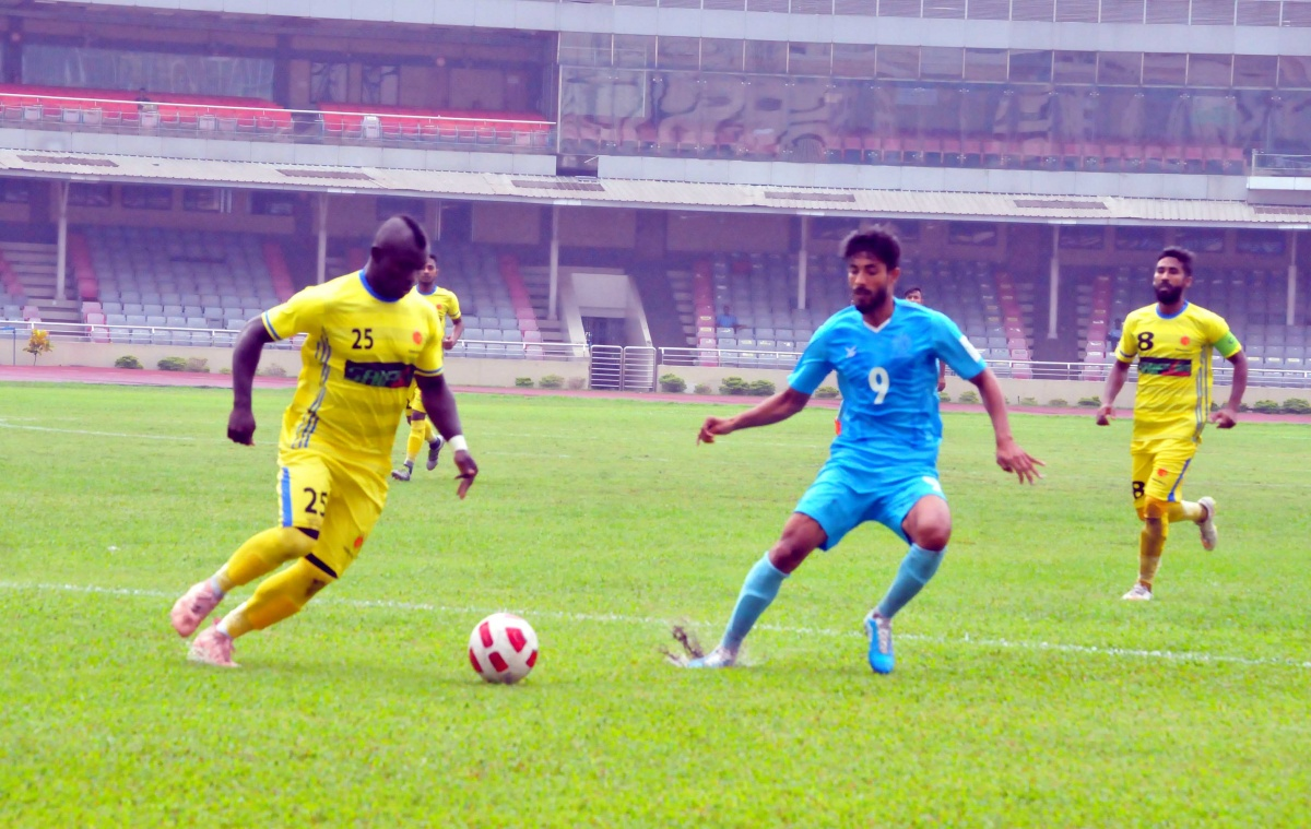 Abahani dominate port city visitors to pick up 2-0 win