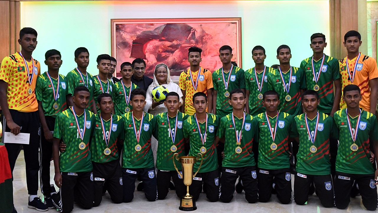Prime Minister Awards U-16 Boys, U-19 Women's Teams
